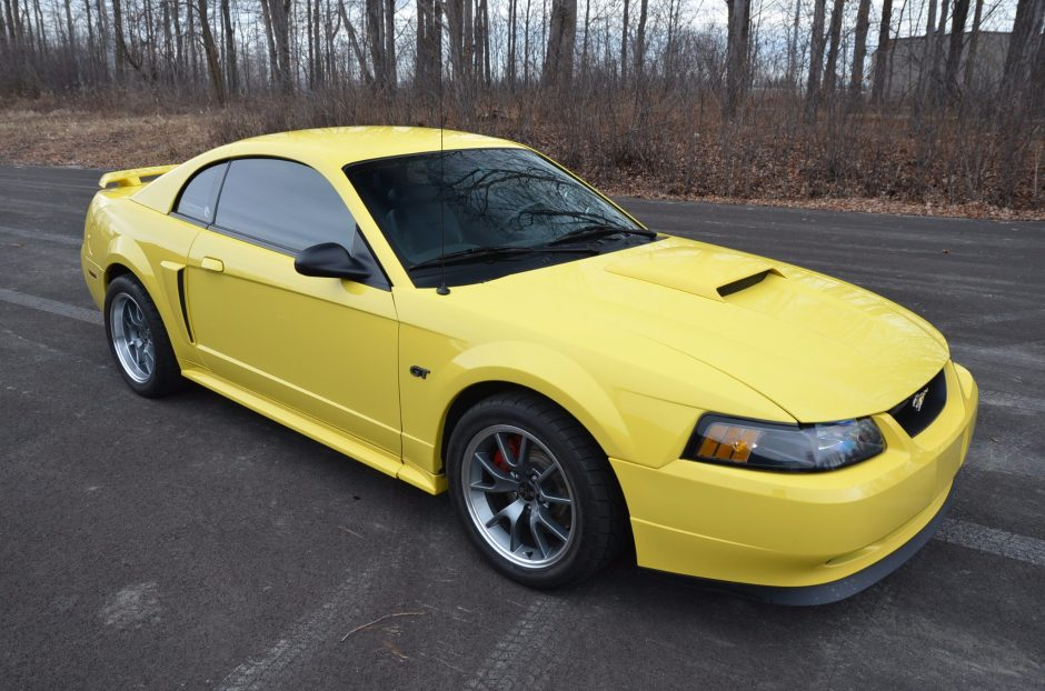 2001 ford mustang specifications.